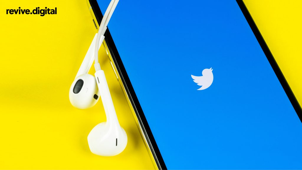 twitter in mobile phone