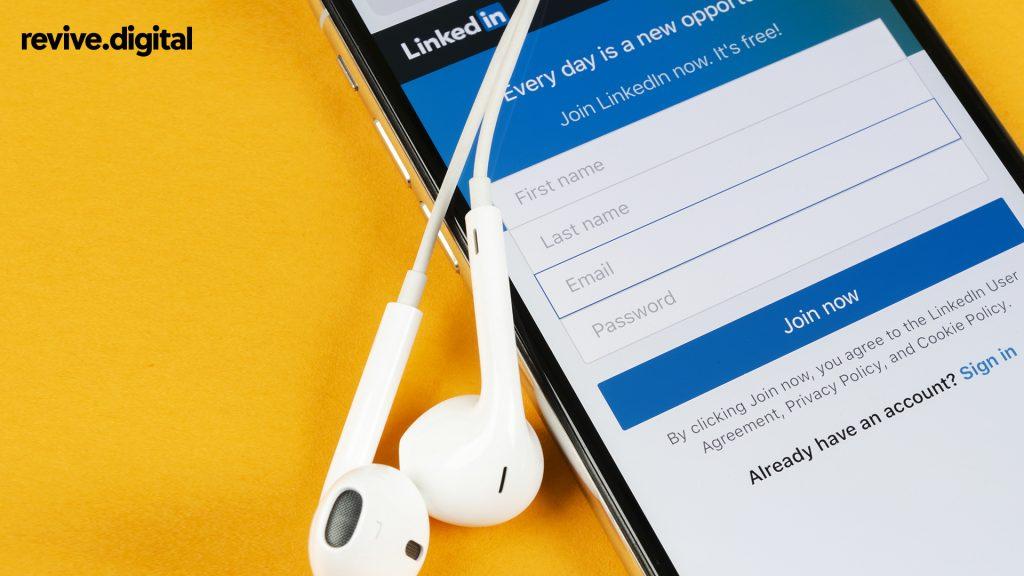 linkedin app in mobile phone
