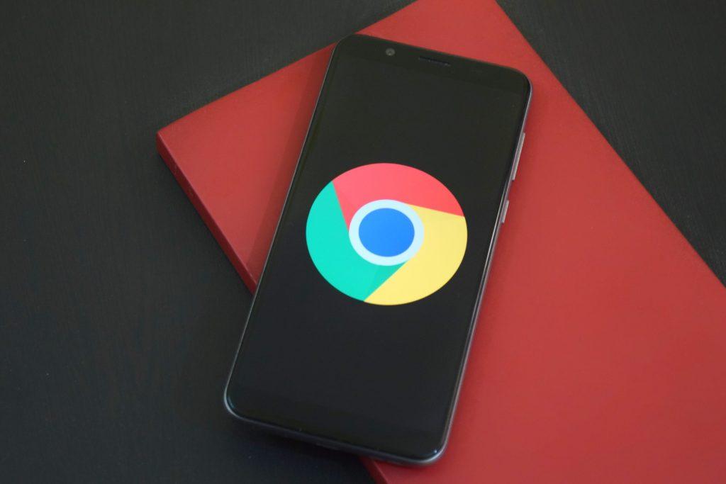 Chrome logo in mobile phone